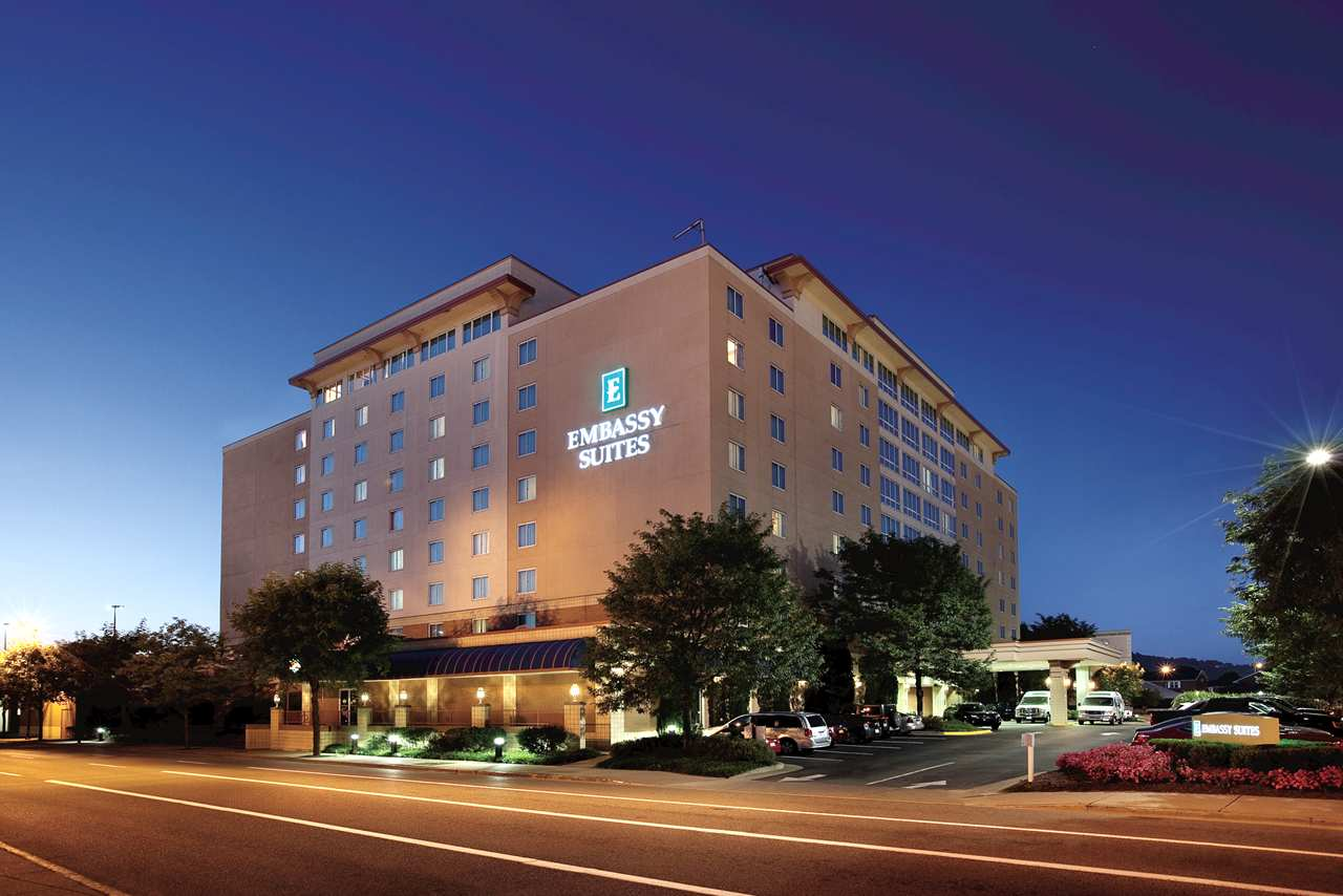 Embassy Suites - Charleston Hotel